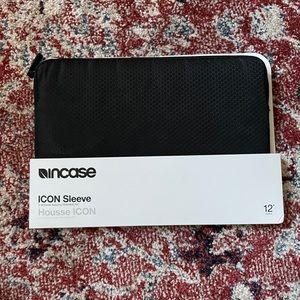 """BRAND NEW incase icon black 12"""" laptop case"""